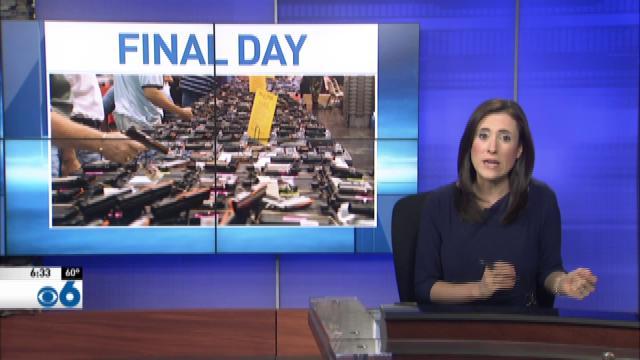 Gun vendors hold final day of final gun show in City Center
